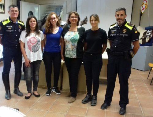 La Guàrdia Urbana Muntada de Barcelona dona selles de muntar a FTAC